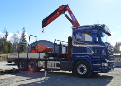 Scania kranbil. Lasting av maskin.